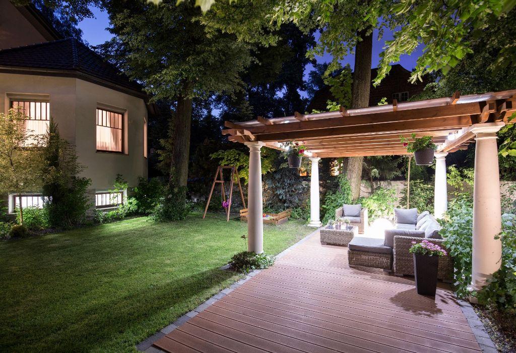 Casa protegida con iluminación LED 1